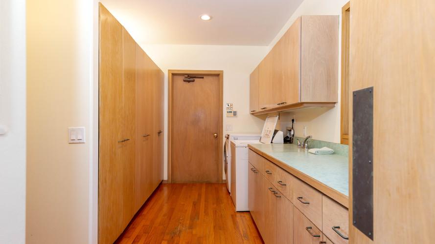 16-1-Laundry room.jpg