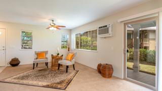 5-Living room 2.jpg