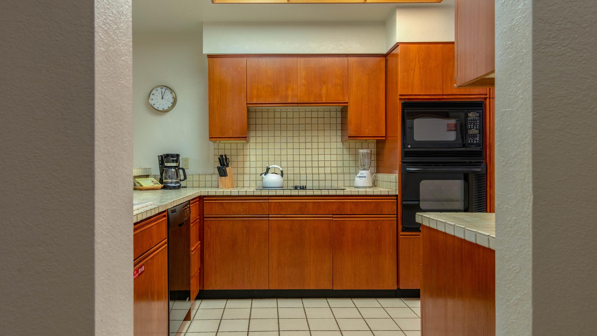 20-Kitchen.jpg