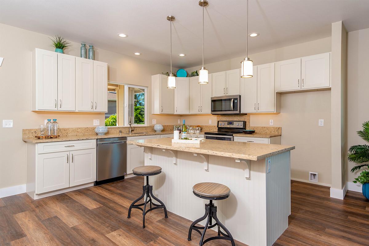 9-Kitchen island 2.jpg