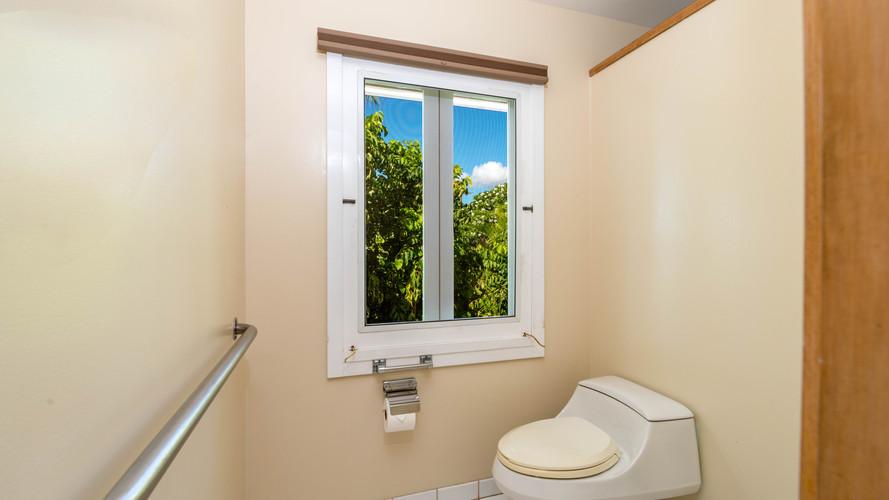 13-6-1-Master bathroom 3.jpg