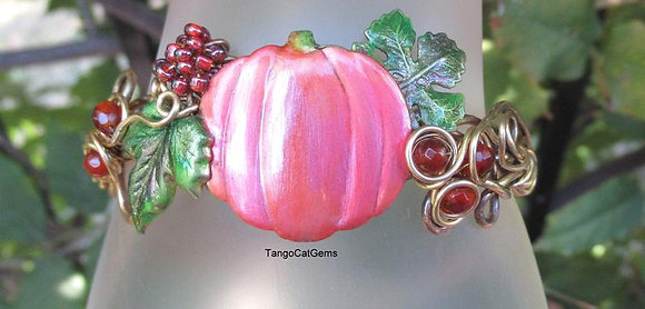 Pumpkins and Carnelian Autumn Bracelet