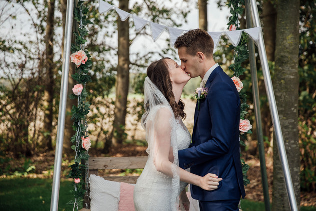 Festival bruiloft | Bas & Nikki