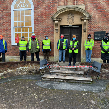 Wilton volunteers pull together