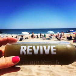 REVIVE your life with _montaukjuicefactory 💦 These guys are crushing it and we LOVE their name choi