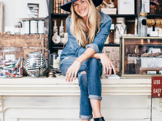Holly Williams: Indefinable Spirit