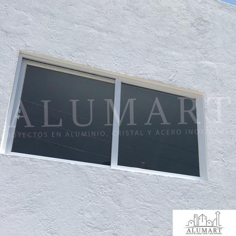 ventana en aluminio blanco con cristal claro 6mm