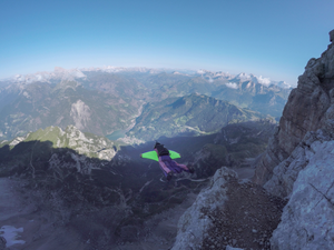 skok B.A.S.E. z Monte Civetta, Dolomity
