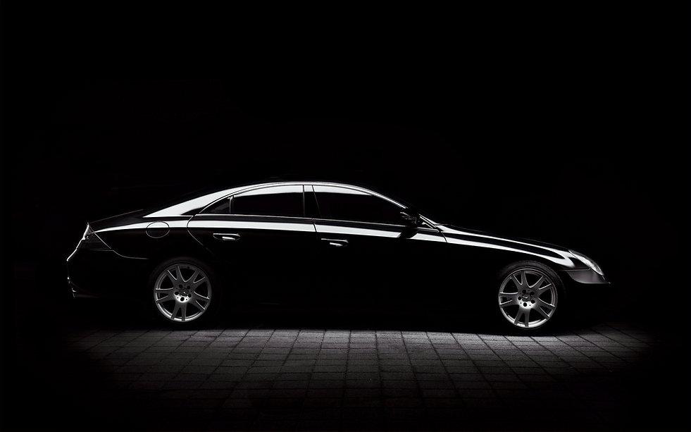 Mercedes%20minimal%20silhouette_edited.j