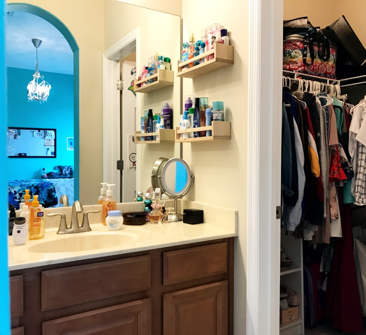 Bath with adjacent closet