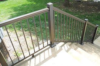 4-deck-railing-min.jpg