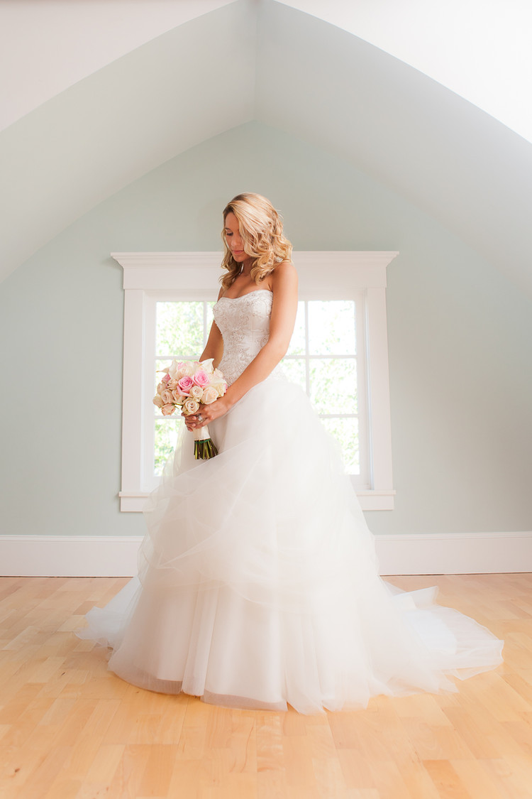 High mountain hall wedding dress