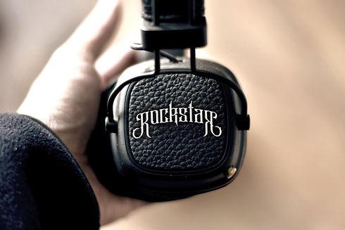 Headphones_V1_edited.jpg