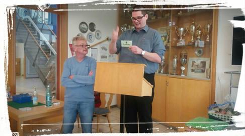 Gustel Rother (als Vorstand vom GSRF Bamberg und passiven Mitglieder bei uns) bekommt ein herzliches Trostpreis (leider letzten Platz)! Trotz hat er gut gespielt!
