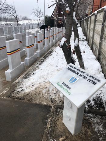 Monumente funerare eroi revolutionari