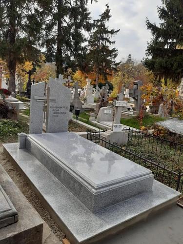 Portofoliu Monumente Funerare- Granit Gr
