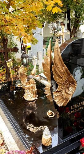 Portofoliu Monumente Funerare - Amintire