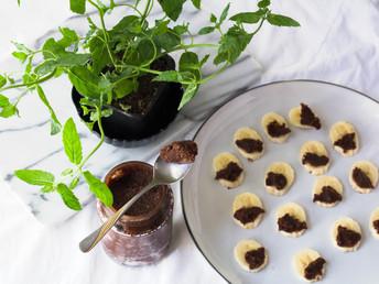 CHOCOLATE HAZELNUT SPREAD - VEGAN NUTELLA [VIDEO]
