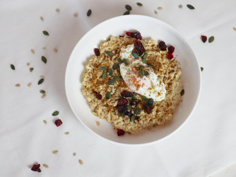 Savoury Oatmeal with Poached Egg