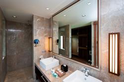 Villa M bathrom 2 vanity