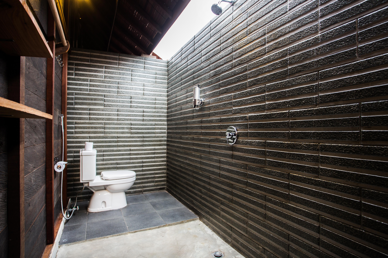 Social House toilet