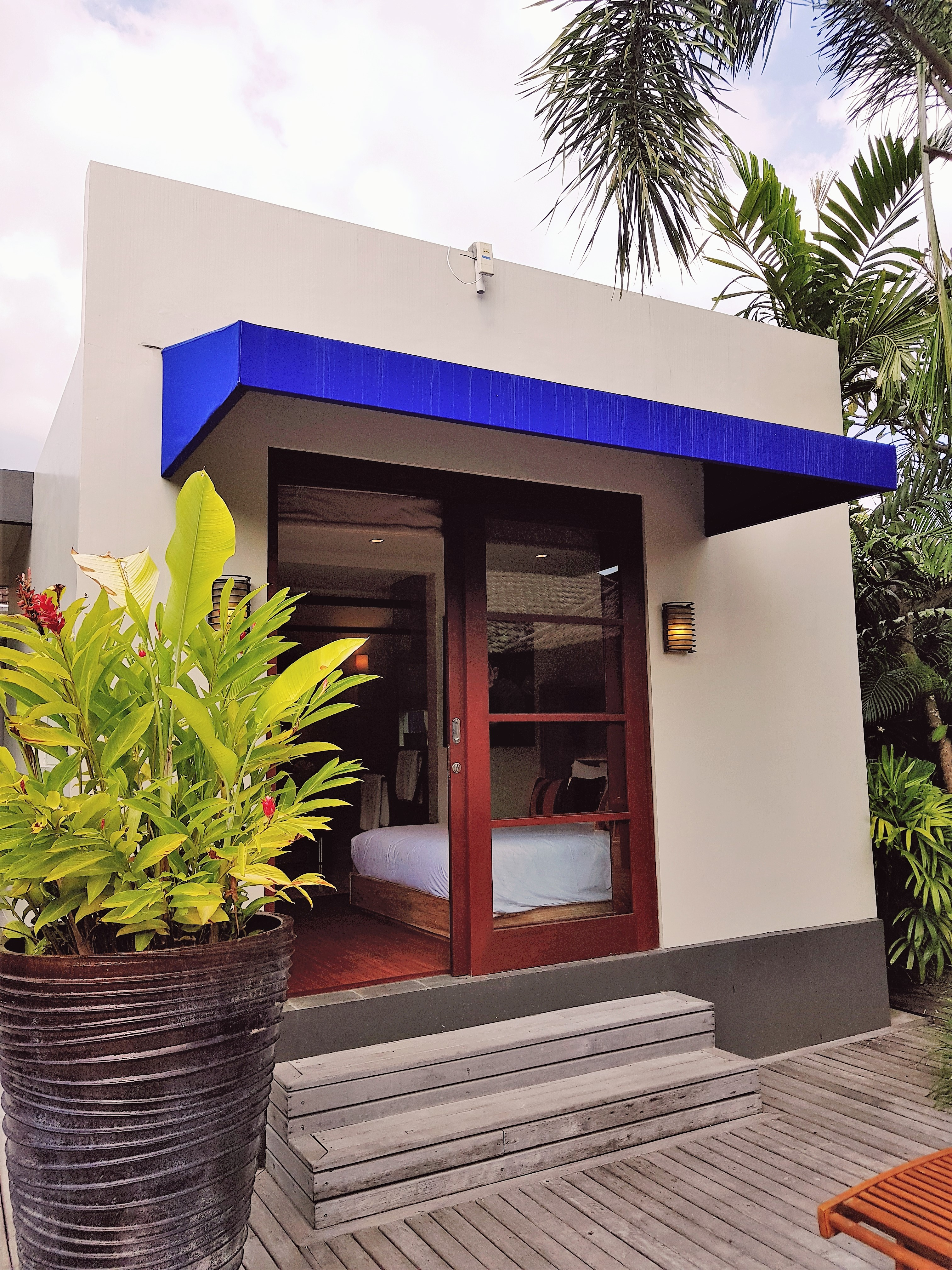 Entrance-Studio room