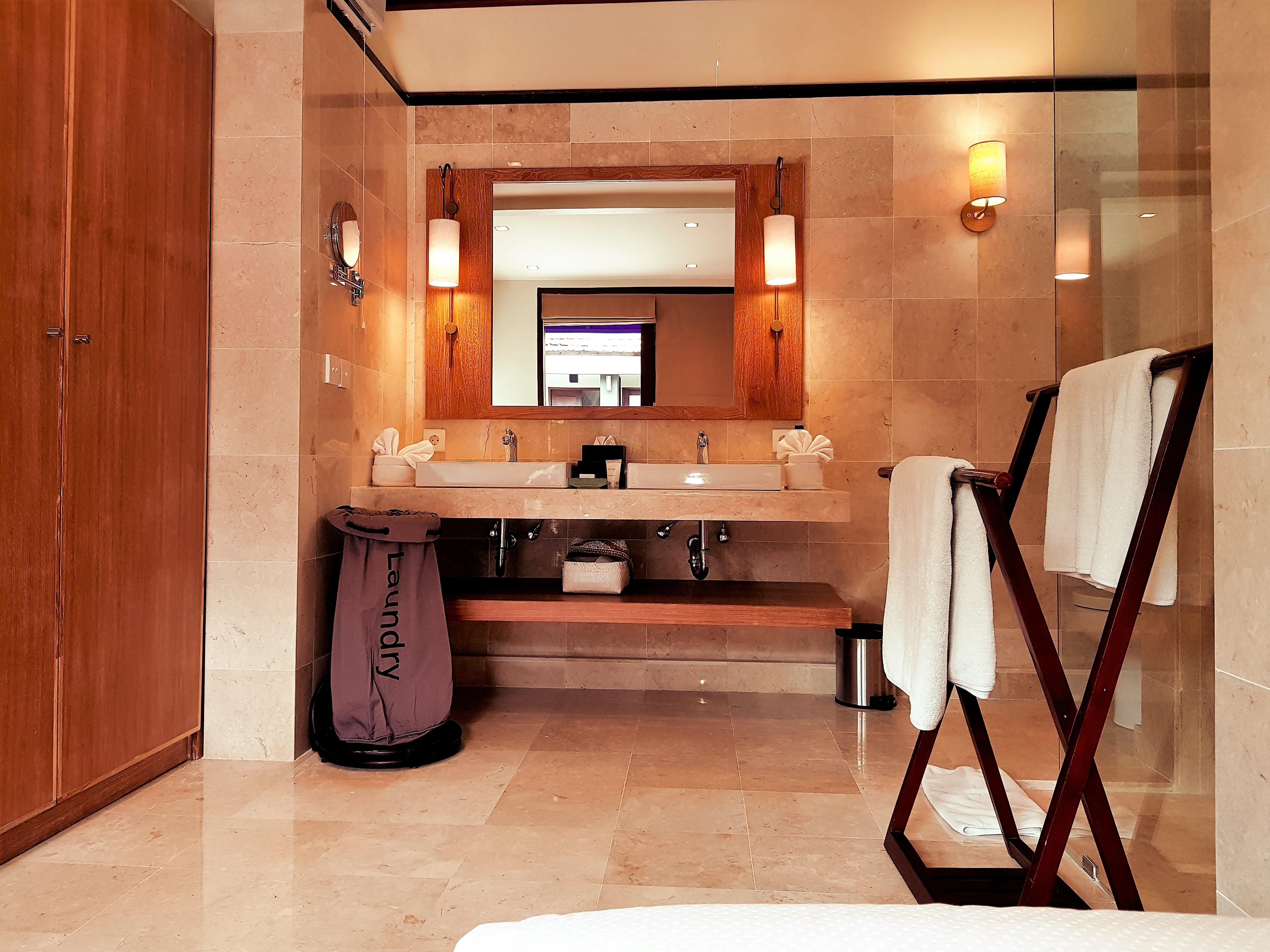 Vanity-Studio room