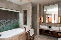 Villa M bathroom