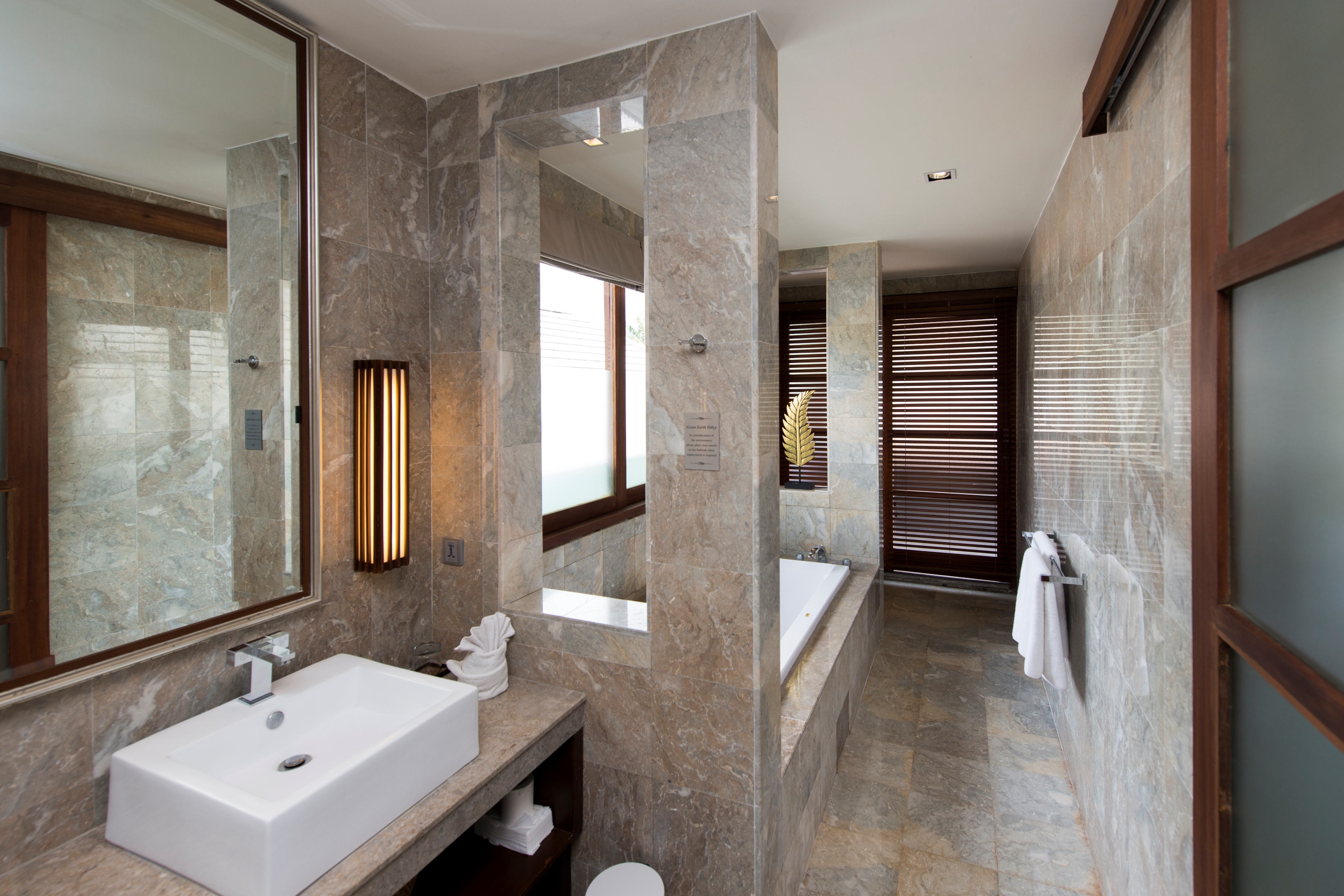 Villa M bathroom 2