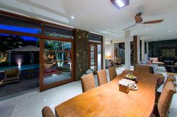 Villa M dining table