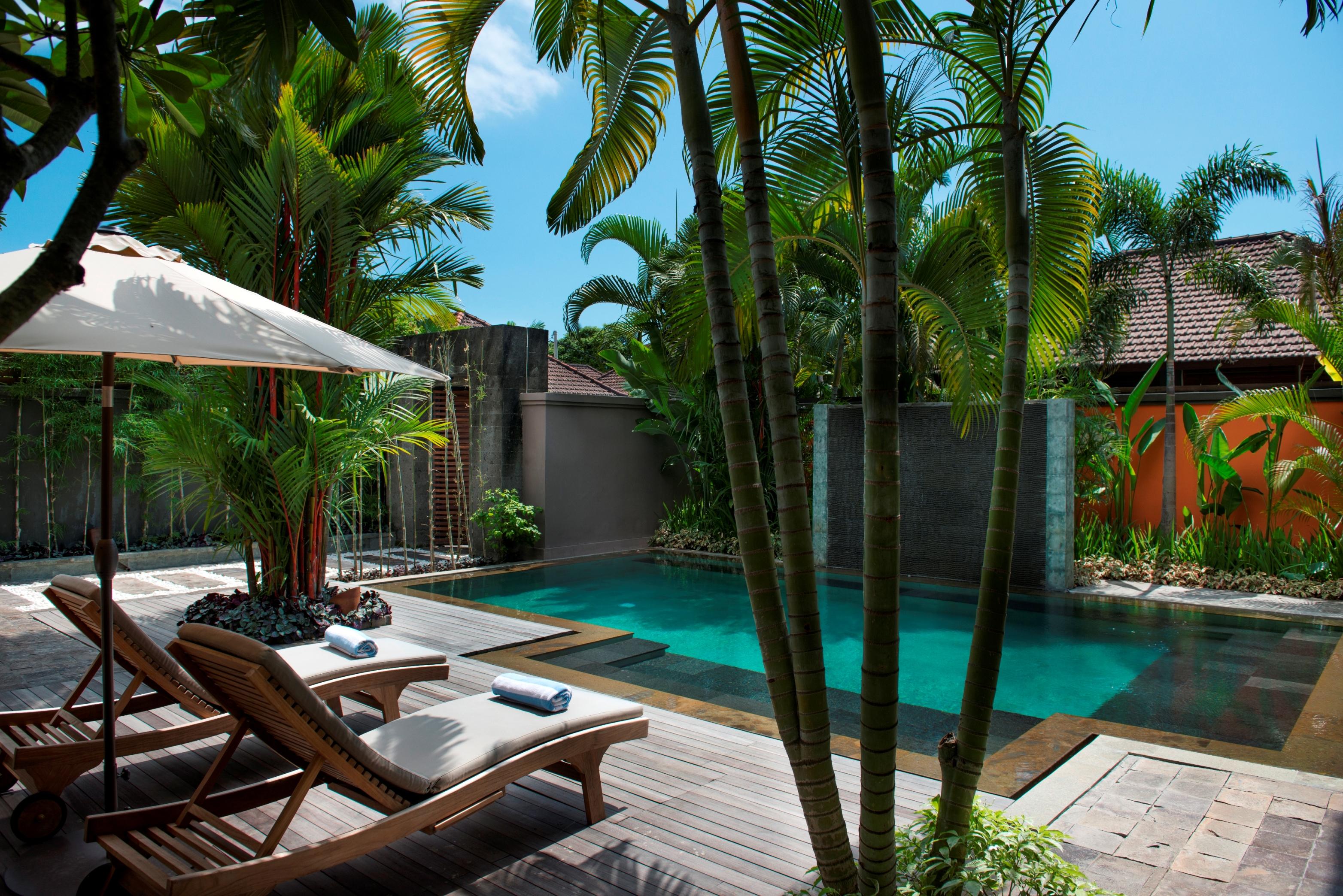 Villa M Pool daytime
