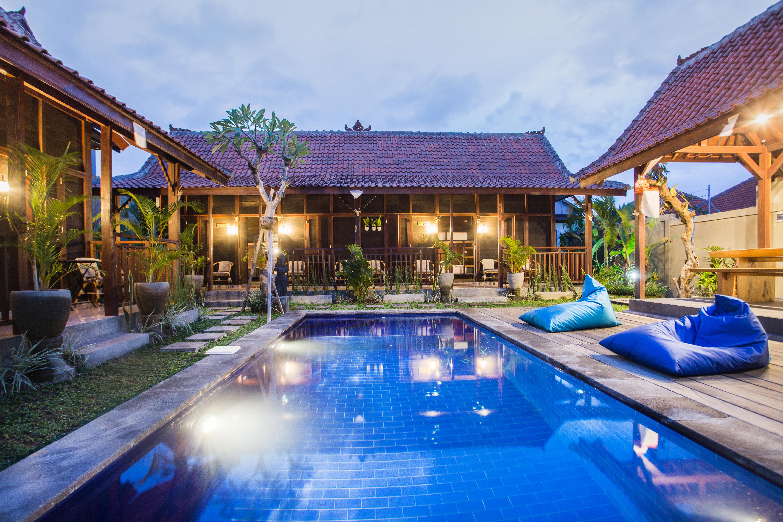 Social House Sun & Star Cabin