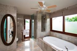 Villa M bathroom 1