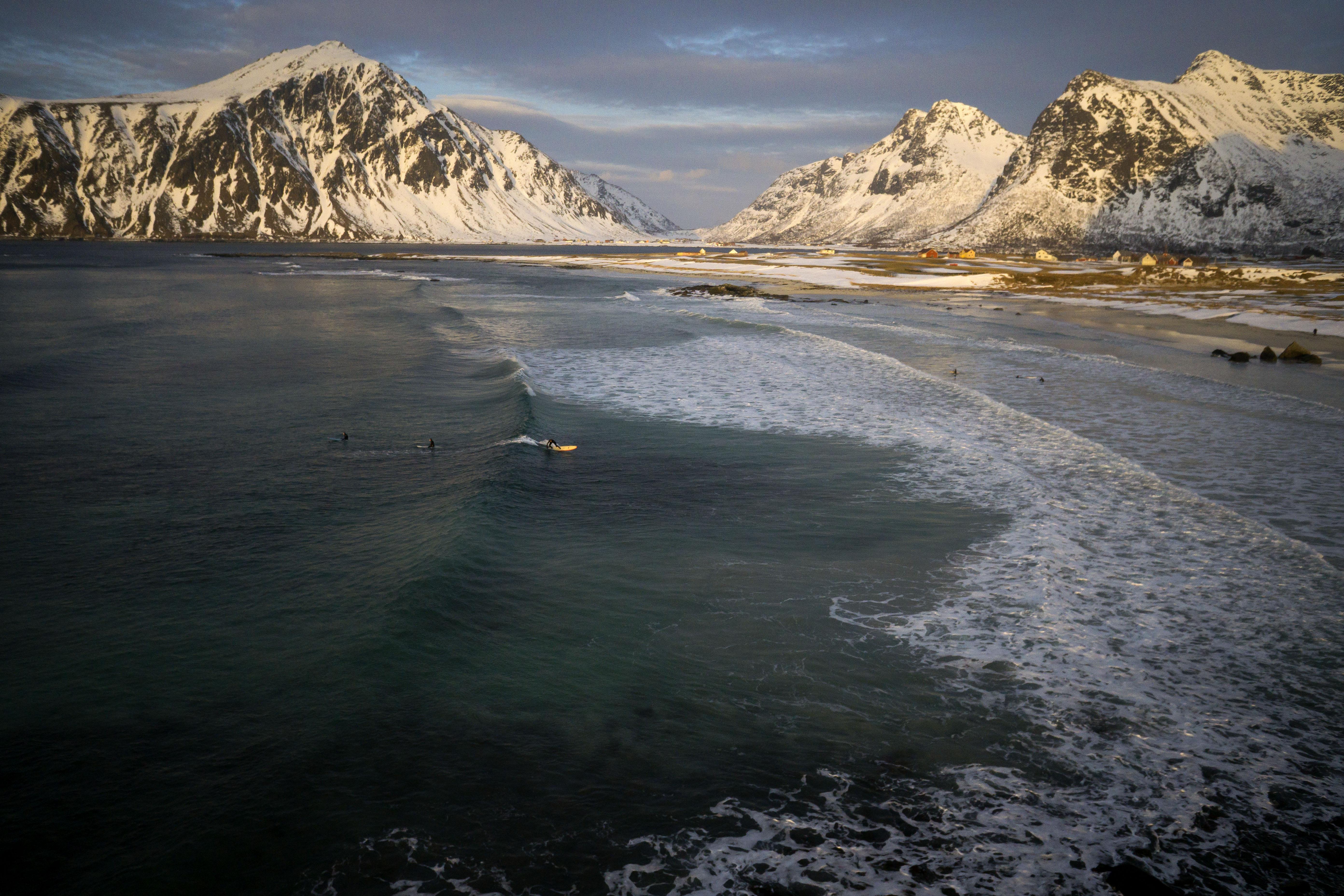 Extrem Surfing, Flakstad , Lofoten,