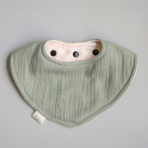 Reversible Dribble Bib - Meadow Mist / Marshmallow