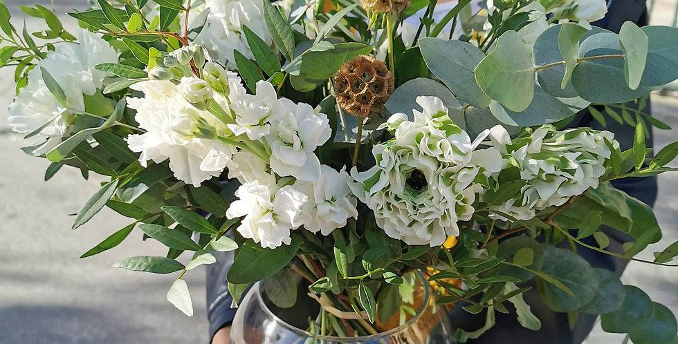 Bouquet blanc avec vase