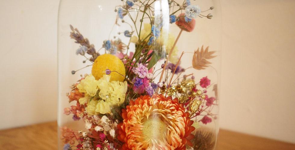 Cloche de fleurs sechees