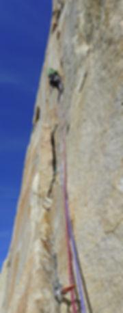 climbing torre sur, aste route