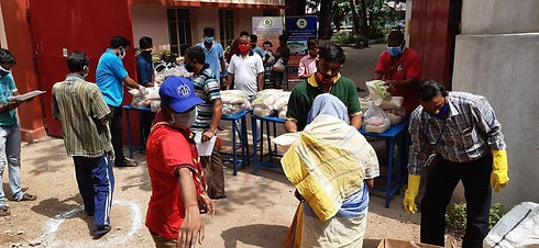 food distribution of Ashalayam 2.jpg