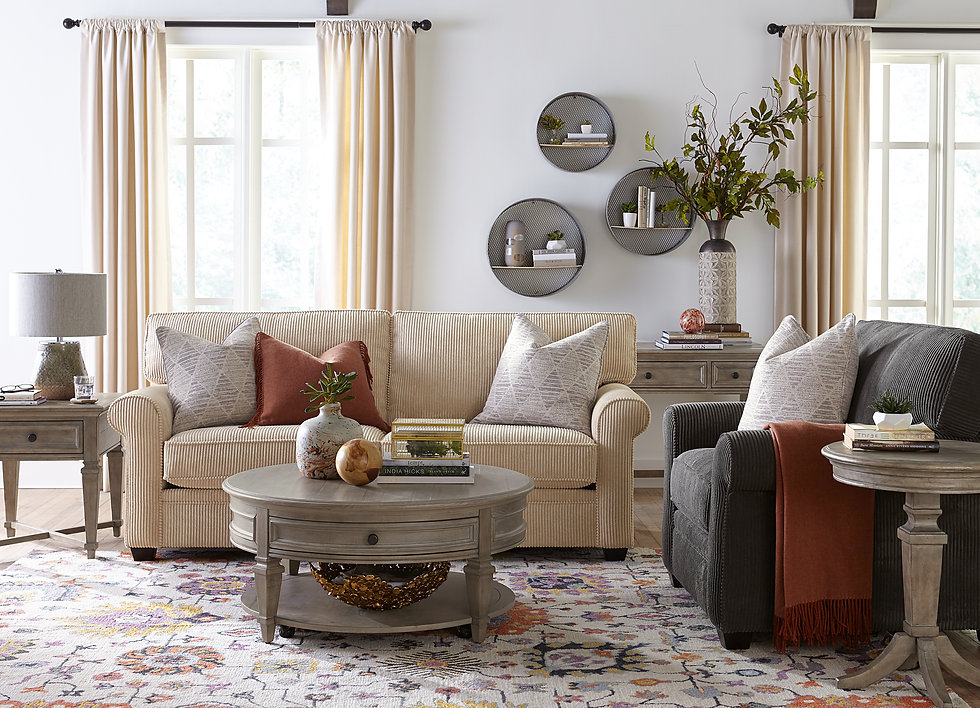 Cozy livingroom with a loveseat and matching chair