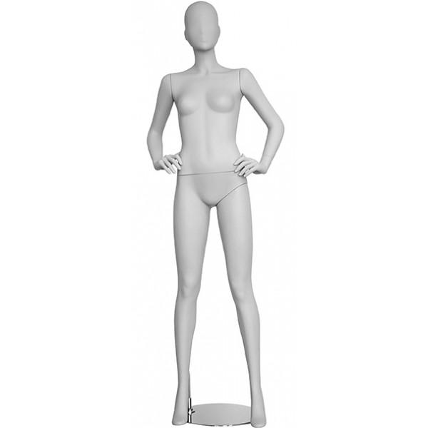 Femme mains sur les hanches