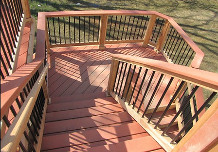 wood and aluminum spindles decking.jpg