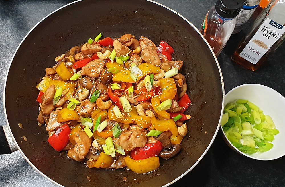 Honey Cashew Chicken with Mushroom and Bell Pepper