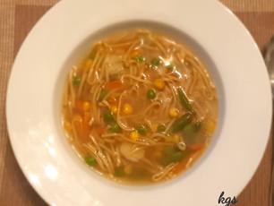 Garlicky Veg Noodle soup