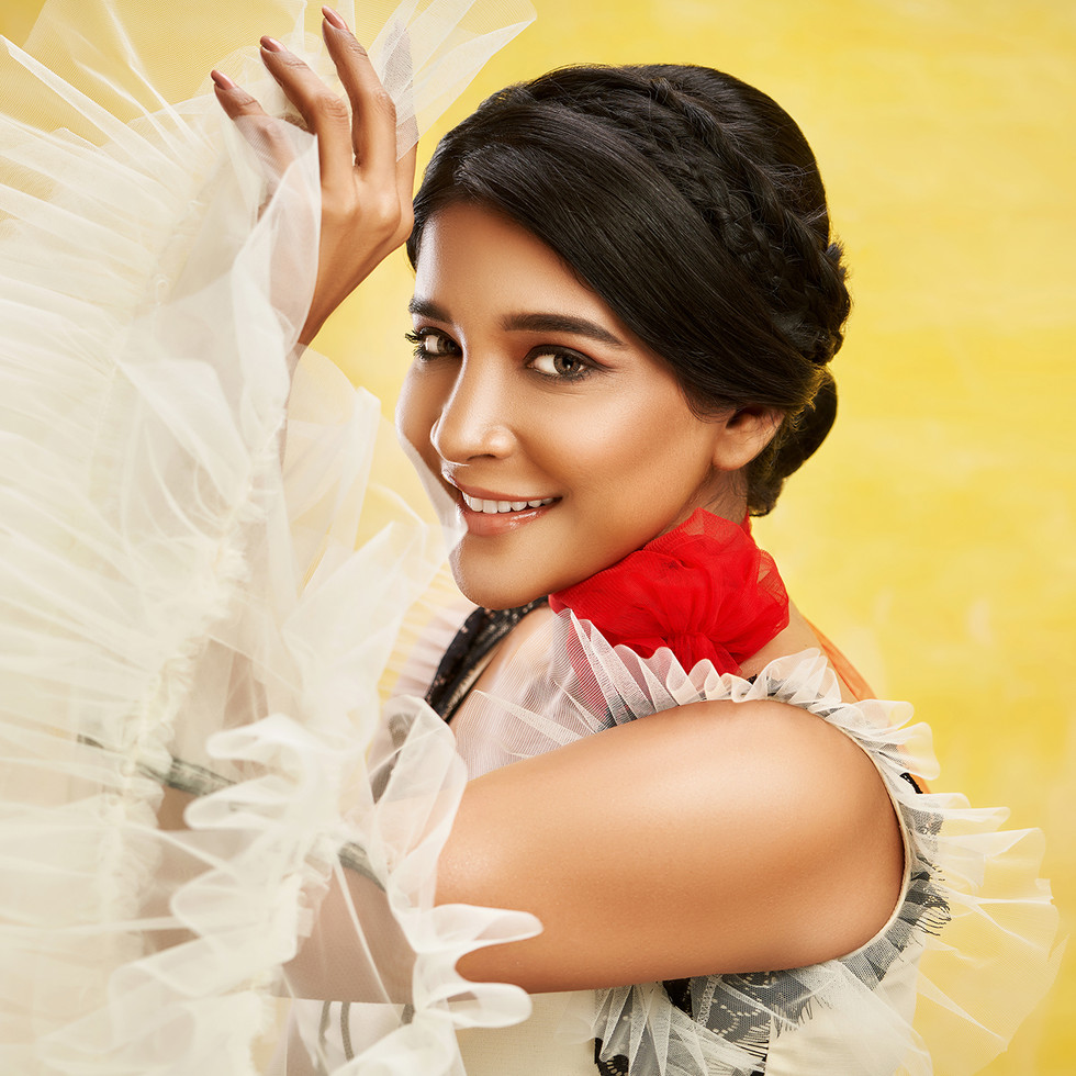 Sakshi Agarwal photo shoot by R Prasanna venkatesh
