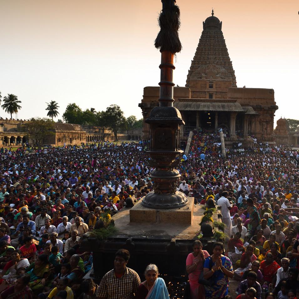 Pradosham crowd at Big temple