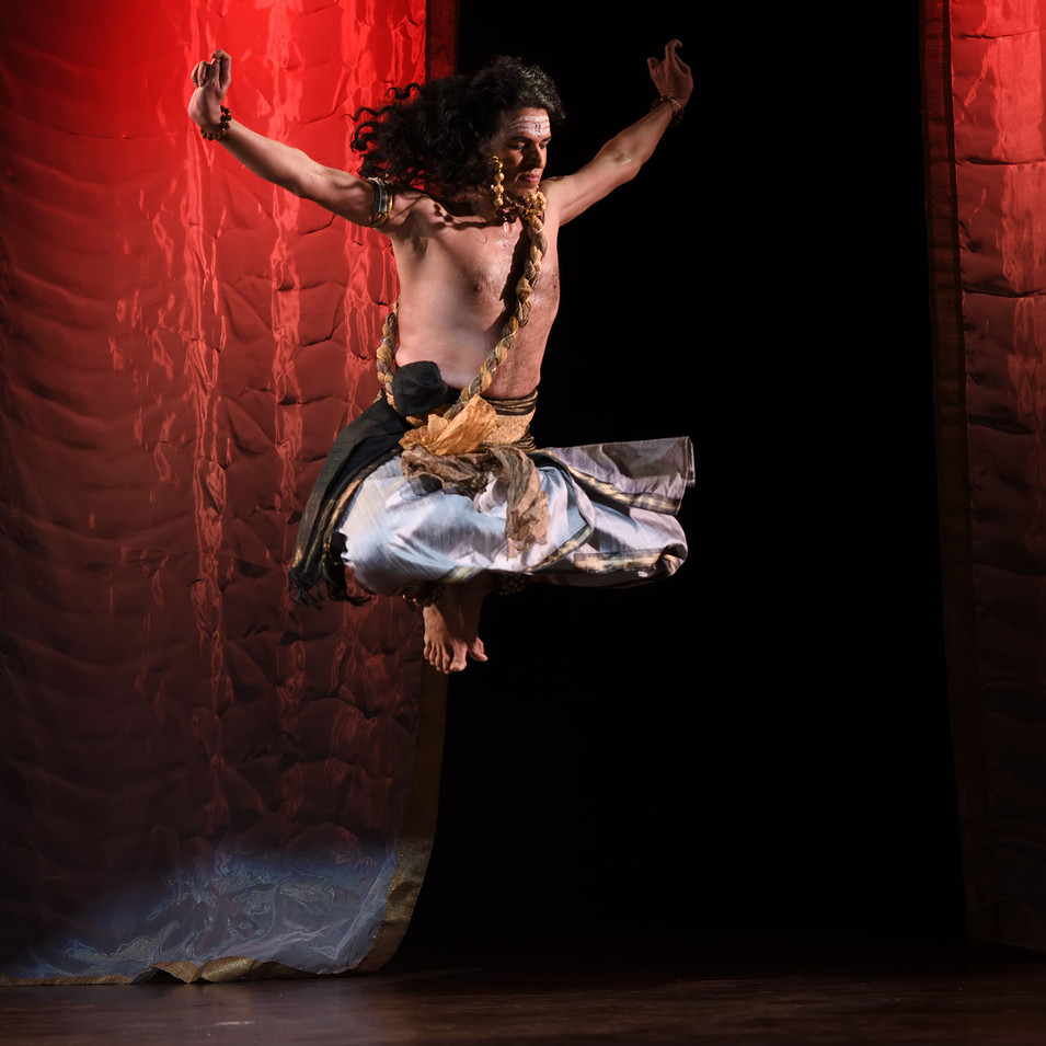 Dance performance photography by R Prasanna Venkatesh
