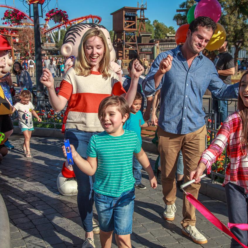 PEANUTS Celebration - Family Boardwalk P