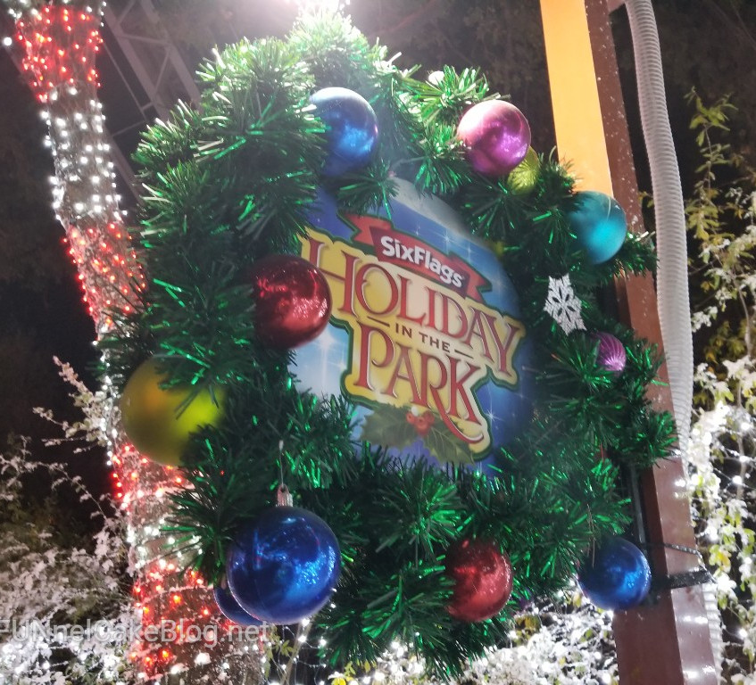 Holiday in the Park Decor