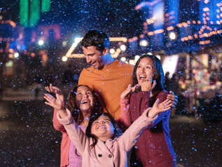 Celebrate the Magic of Christmas at Knott's Merry Farm